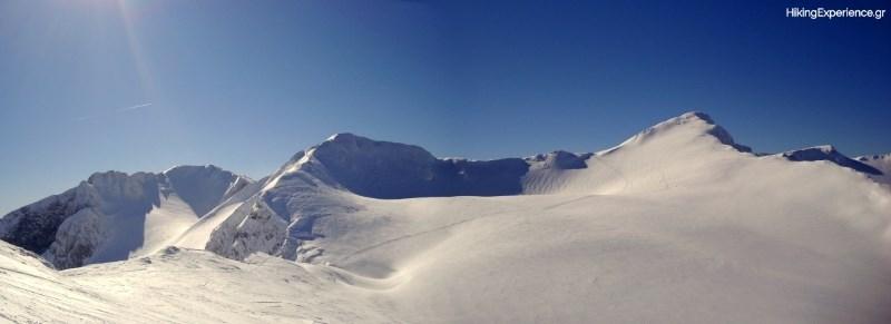Στο χιόνι διακρίνεται η πορεία από το Κοτρώνι προς τη Λιάκουρα