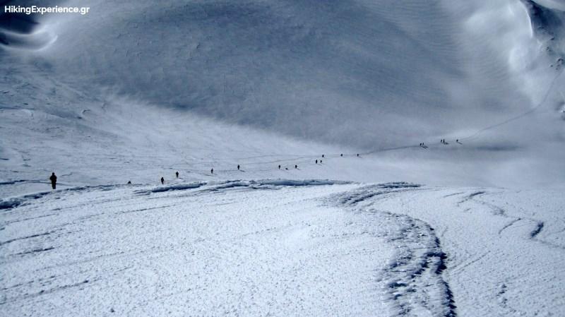 Κατάβαση προς το χιονοδρομικό κέντρο Κελάρια