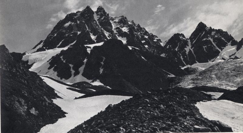 Dychtau 5204m, Caucase